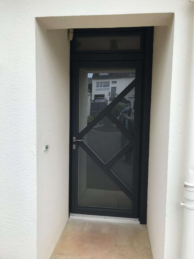 mpo fenetres laval porte entree triple vitrage depoli anti effraction avec abttant en imposte 1