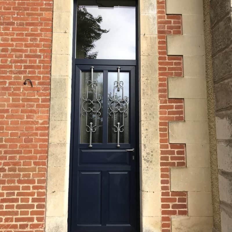 mpo fenêtres porte 'entrée pvc bleue avec grille