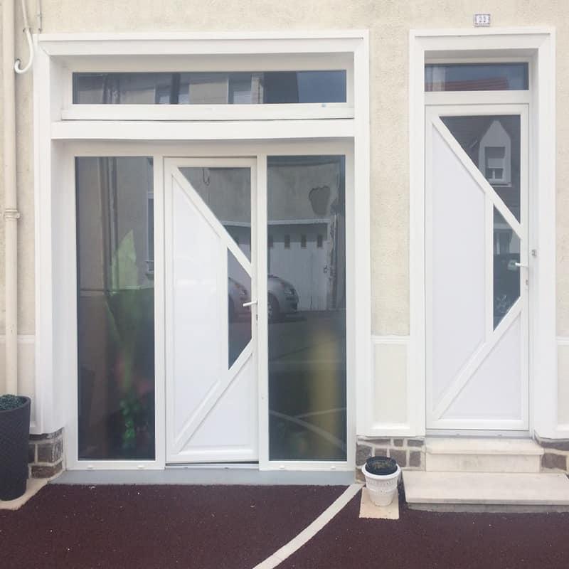 le mans remplacement porte de garage par ensemble fixe et porte d'entrée composition pvc blanc et remplacement porte d'entrée par la même porte composition pvc blanc