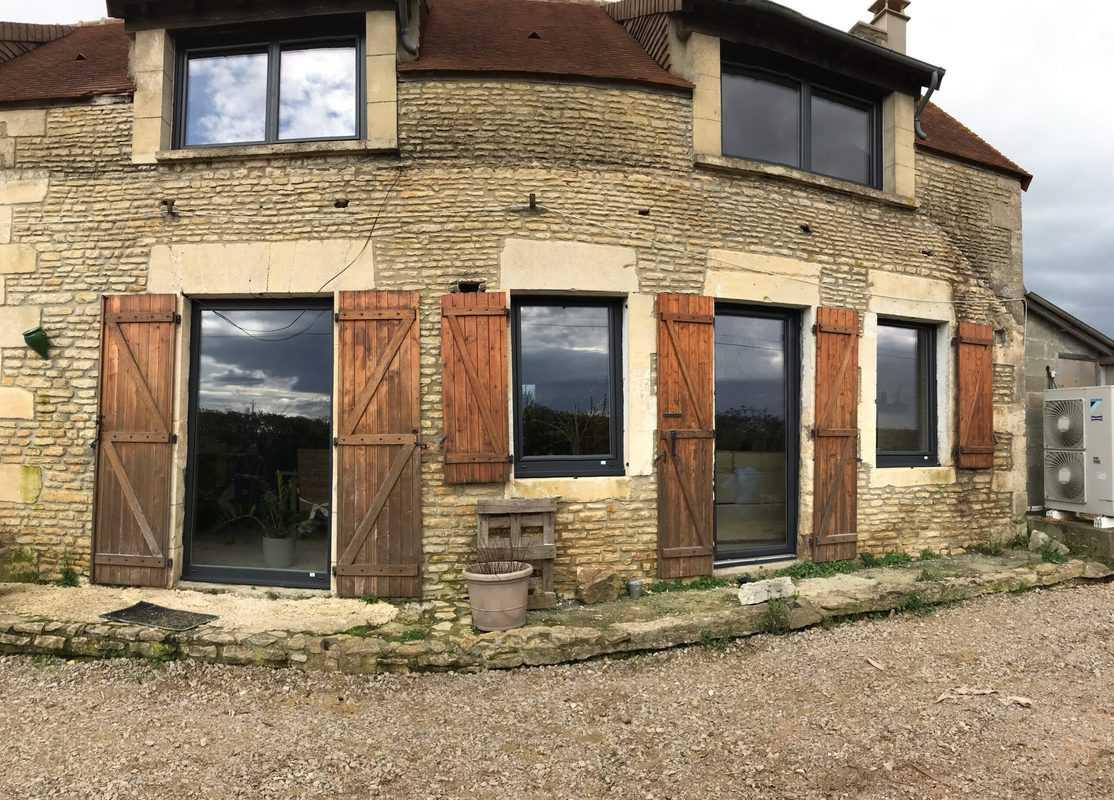 mpo fenêtre rénovation vieux corps de ferme 3