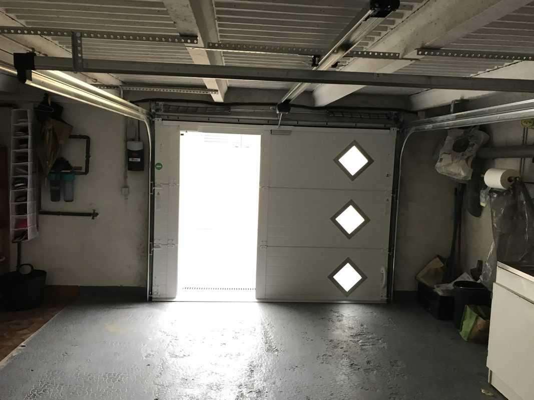 mpo fenêtres porte de garage avec portillon intégré ouverture plafond 3