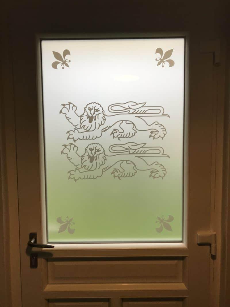 mpo fenêtres porte d'entrée en pvc blanc avec vitrage personnalisé 2