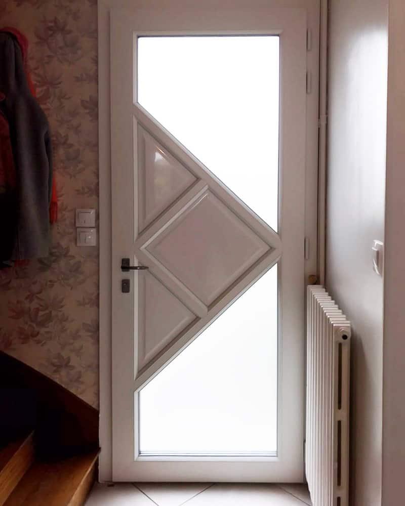 mpo fenêtres rénovation d'une porte d'entrée sur mesure en pvc 2