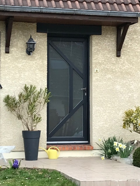 mpo fenêtres rouen saint pierre de franqueville porte d'entrée grise