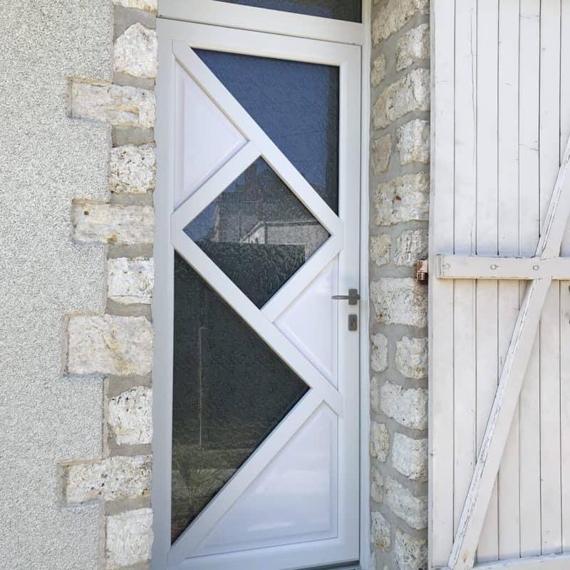 mpo fenêtres tours porte d'entrée en pvc blanche vitrage delta mat